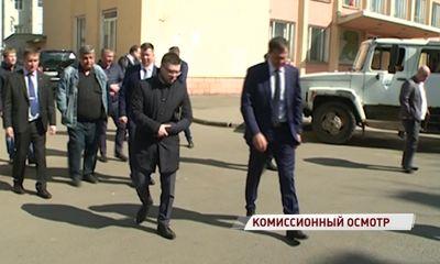Разметка стерта, появились ямы: комиссия осмотрела гарантийные дороги в центре Ярославля