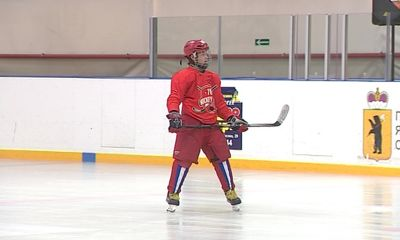 Сергей Мозякин с сыном приняли участие в сборах для молодых хоккеистов