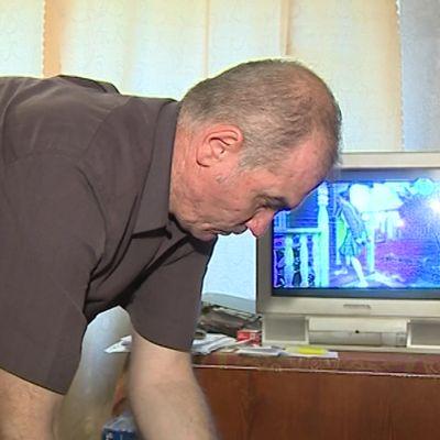 С завода сократили, очередь на соцжилье – 345: ярославца выселяют из общежития на улицу