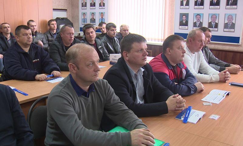 Картинки по запросу ярославских водителей научили оказыватьпервую помощь пасажирам фото