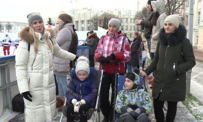 На Советской площади прошел благотворительный матч Ночной хоккейной лиги