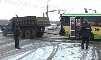 Водитель легковушки, попавшей в аварию на Московском проспекте, рассказал о произошедшем