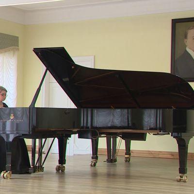 В Ярославль на конкурс пианистов приехали более 50 музыкантов со всей России