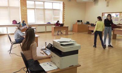 Волонтеры региона продолжают помогать тем, кто не может выйти из дома из-за коронавируса