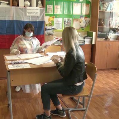 Активнее всего поправки в Конституцию поддержали в Большесельском и Первомайском районах