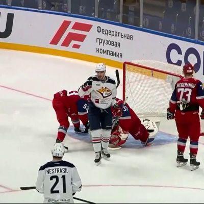 Доигрались до буллитов: «Локомотив» уступил «Металлургу»