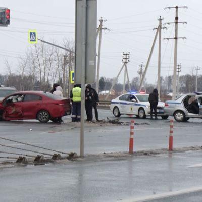 В Ярославле в ДТП с участием полицейского авто пострадали пять человек