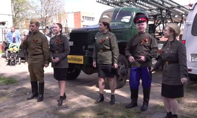 Во дворах Ярославля дали концерты для ветеранов Великой Отечественной войны