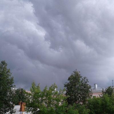 МЧС предупреждает о жаре, грозах, граде и ветре в Ярославской области