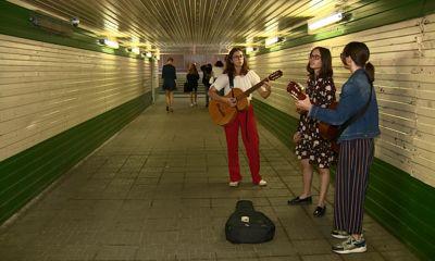 В Ярославле сестры Камкины вышли в переход зарабатывать на новую барабанную установку в городской Дворец Пионеров