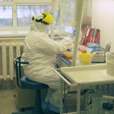Еще две лаборатории в регионе начали заниматься анализами на коронавирус