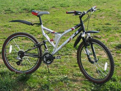 Пироман на велосипеде