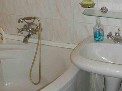 Хозяина квартиры нашли в ванной