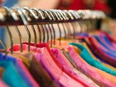 Изъяли контрафактную одежду