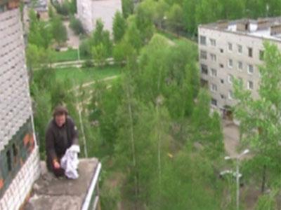 На крыше спасли мужчину