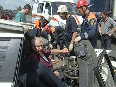 Авария на Окружной: столкнулись три автомобиля