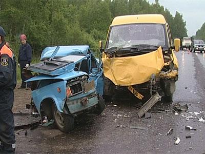 Авария на автодороге Ярославль - Кострома: два человека погибли