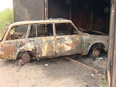 На улице Строителей сгорел гараж и автомобиль