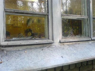 Рыбинская школа осталась без стекол