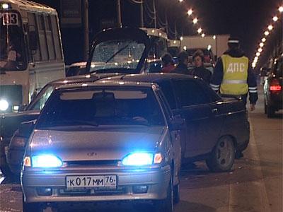 Авария на Октябрьском мосту: столкнулись 5 автомобилей