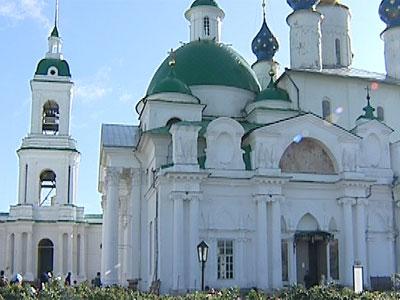 Последние приготовления в Спасо-Яковлевском монастыре