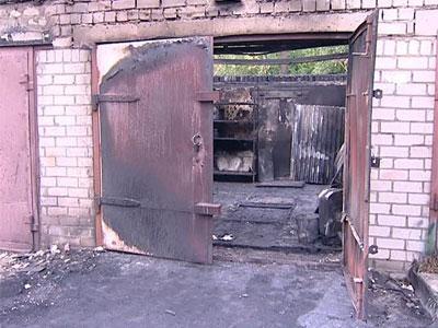 В Ярославле горят гаражи