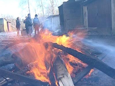 На Клубной сгорели «Жигули»