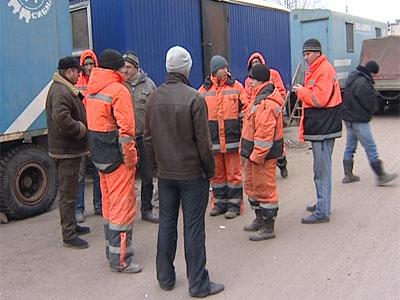 Дорожникам задерживают зарплату