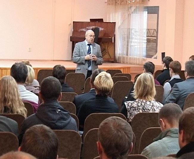 Андрей Кокошин посетил завод номер 50