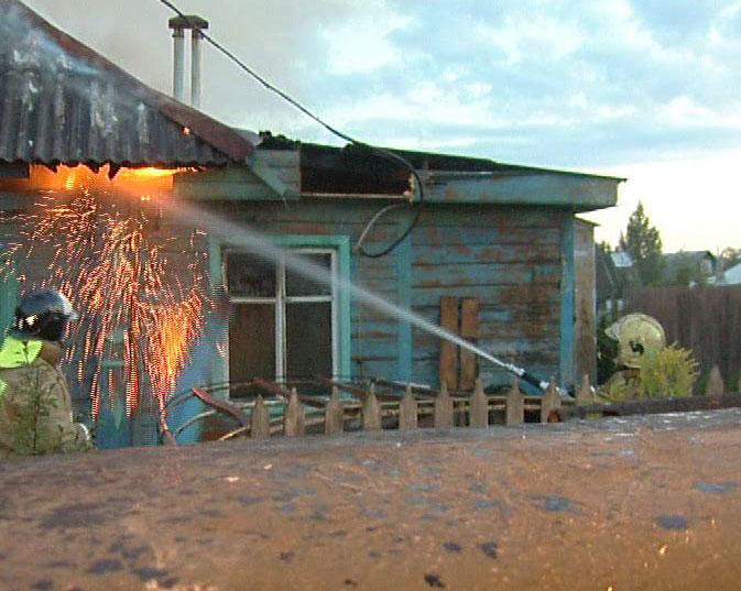 Сгорел дом в Ростовском районе, есть погибшие