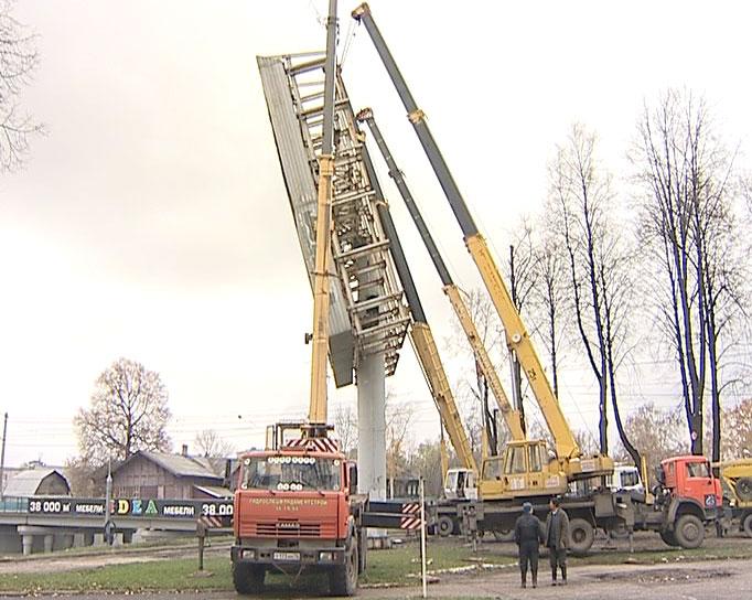 Демонтировали экран на Московском проспекте