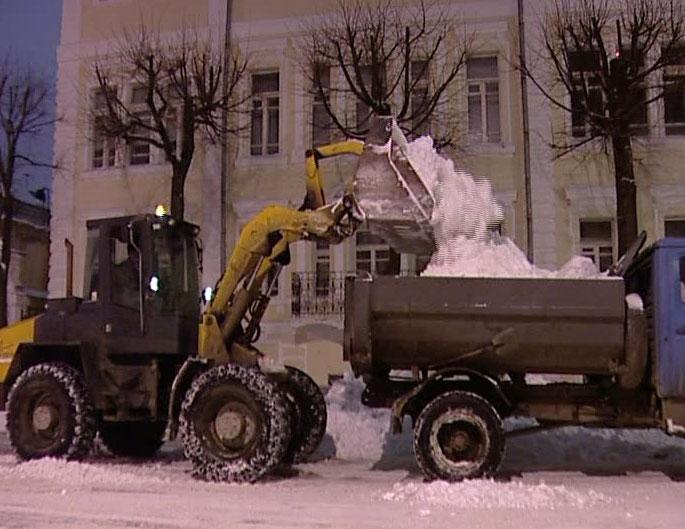 Уборка дворов в зимний период должна проводиться