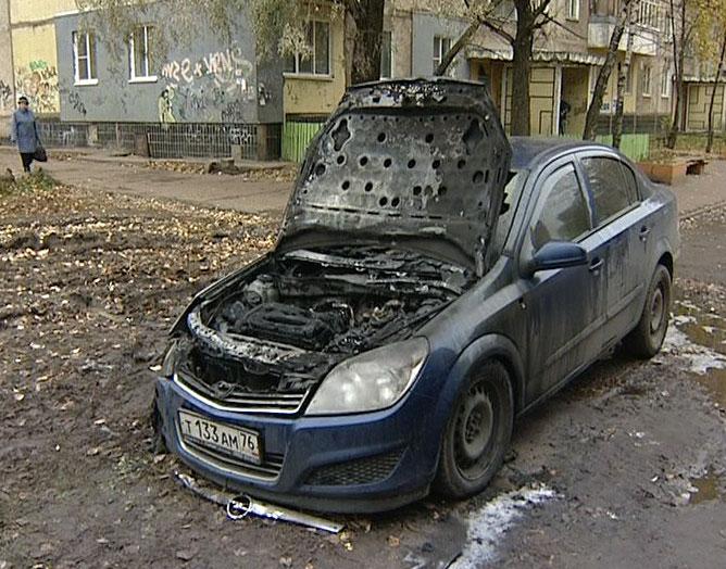 Сгорела машина, припаркованная на улице Труфанова