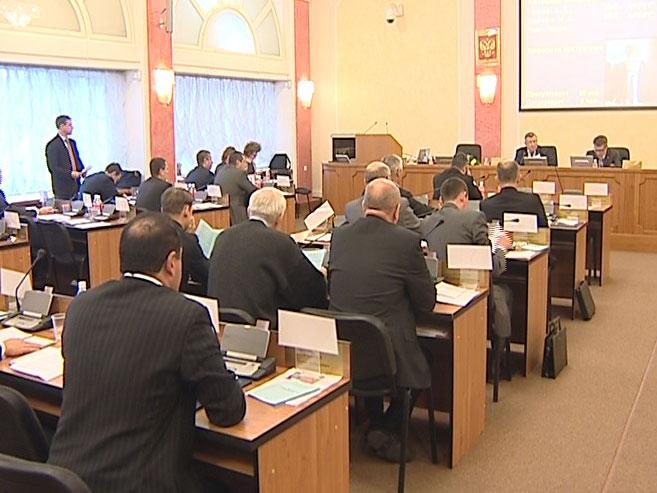 В муниципалитете говорили о налогах, Водоканале и ремонте дорог