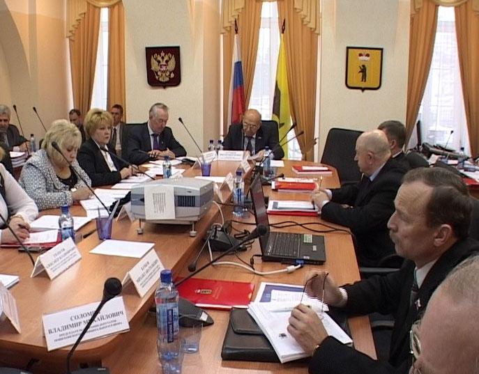 В областной думе обсудили бюджет 2012 года