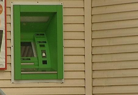 Из магазина украли банкомат