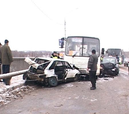 Авария на Октябрьском мосту