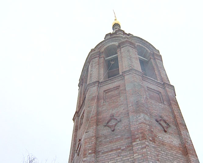 Морской колокол на звоннице церкви