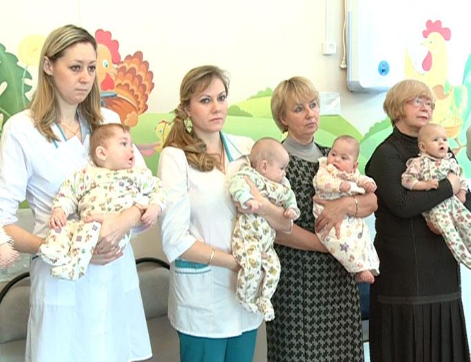 В Доме ребенка крестили малышей