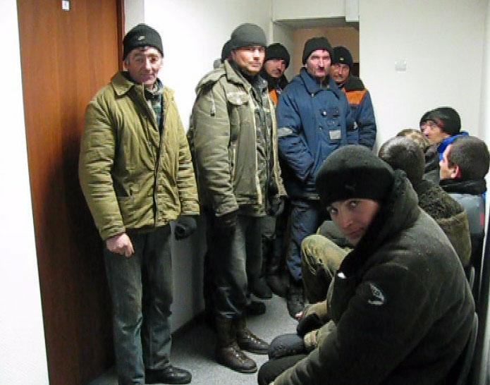 Около станции Уткино задержали гастарбайтеров