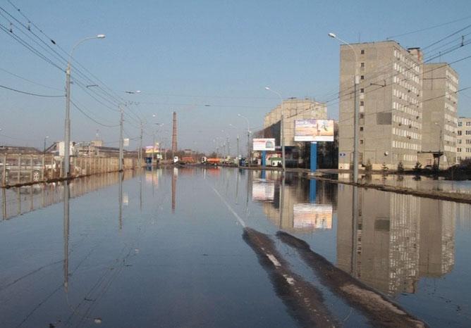 В Рыбинске затопило проспект Революции