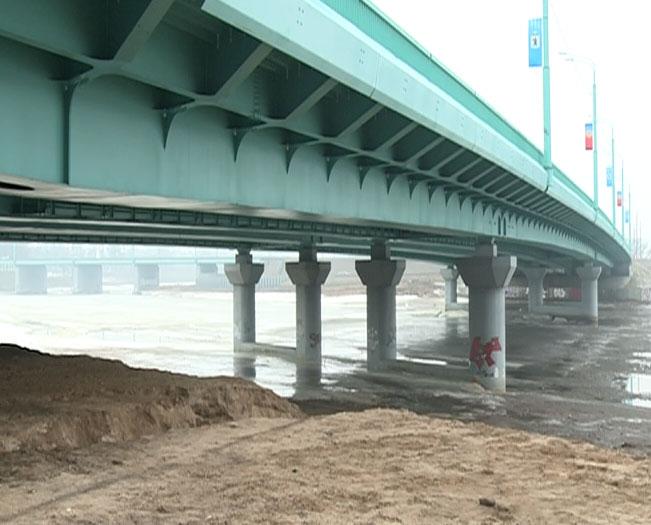 Закрыли мост через Которосль