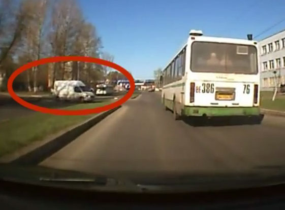 Грузовик поехал без водителя
