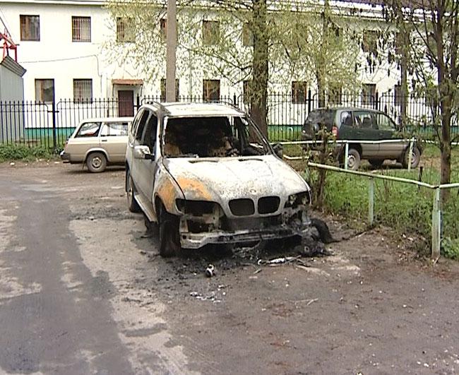 Загорелся внедорожник BMW X5