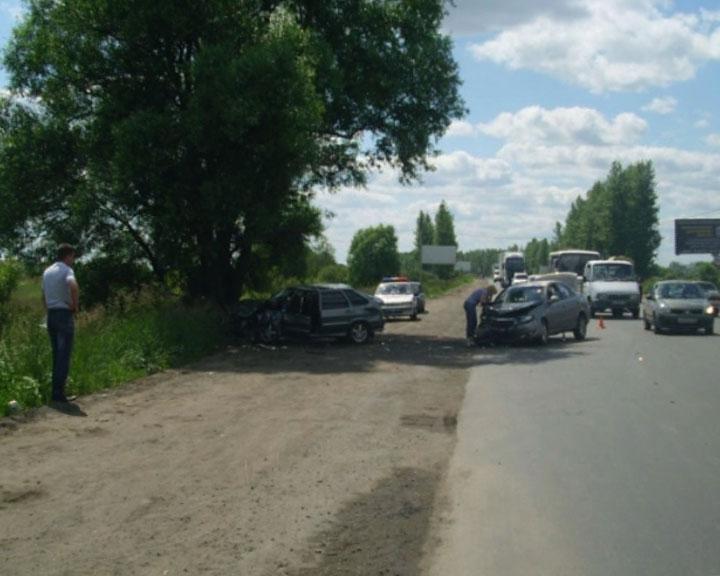 В аварии пострадали 6 человек