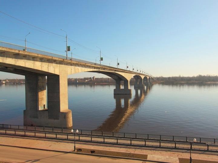 Октябрьский мост закрылся на ремонт