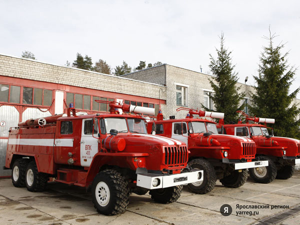 Сгорела машина главы Ростовского района
