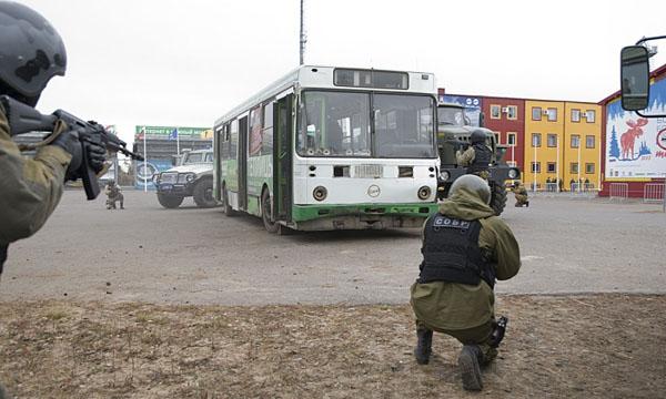 В «Демино» прошли учения по поиску террористов и пресечению терактов