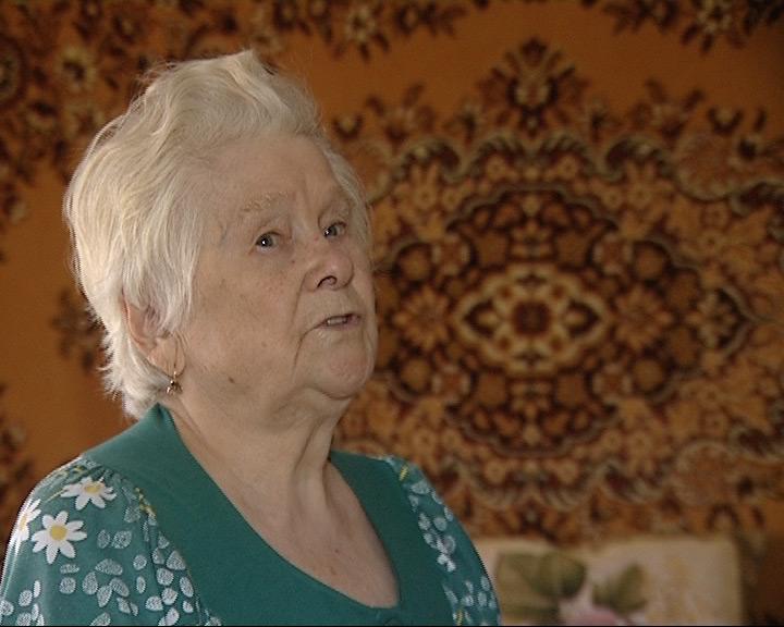 Обманутая 90-летняя пенсионерка находилась будто под гипнозом