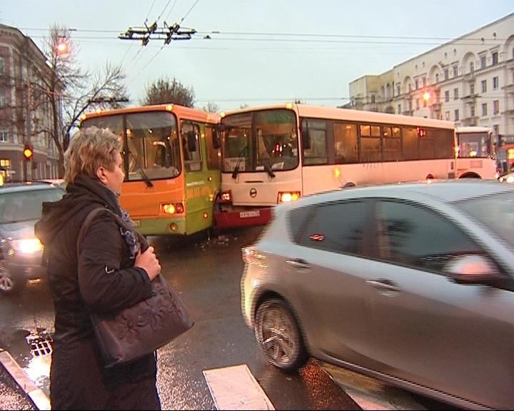 Столкнулись два рейсовых автобуса
